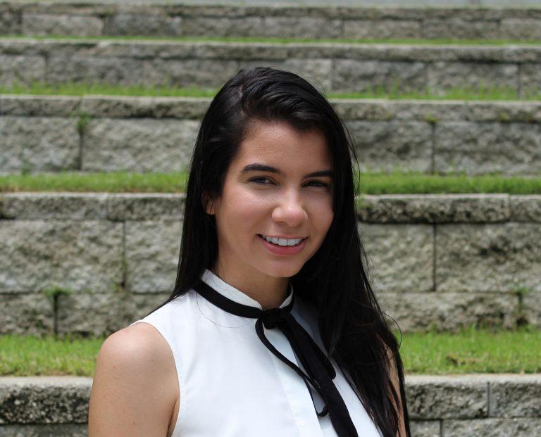 Cruz Stephanie